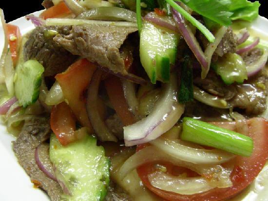 Ban Chok Dee Thai Cuisine: Ban Chok Dee Crying Tiger Beef Salad
