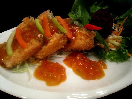 Ban Chok Dee Thai Cuisine: Ban Chok Dee Salmon Rad Prik