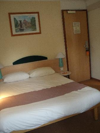 Ibis Boulogne sur Mer Centre Cathedrale : Comfy bed, very clean