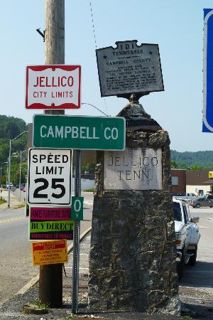 Indian Mountain State Park: Jellico city limits