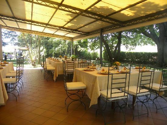 Ghiaccio Bosco: mangiare in veranda