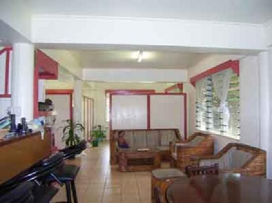 Samoan Village Hostel : Lounge Room