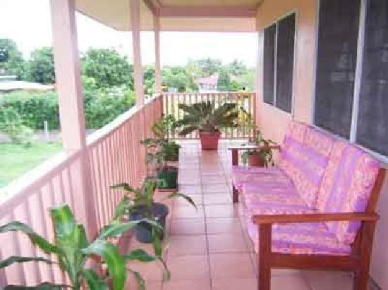 Samoan Village Hostel : Balcony