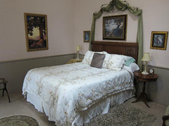 Shaw House : Brookside room