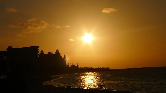 Paradise Island Beach Club 사진