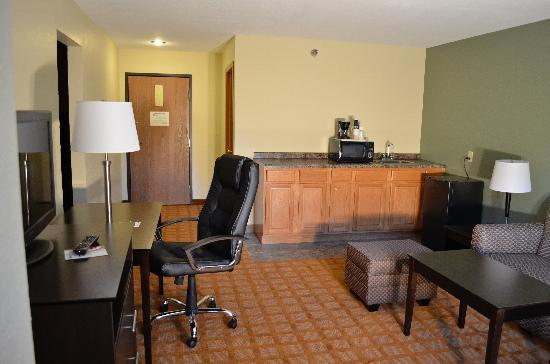 Quality Inn & Suites Marinette: Extended Stay Suite