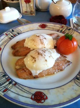 Bunree Bed and Breakfast : kippers with free range eggs