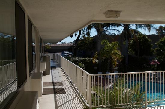 Motel 6 Santa Barbara - Goleta: Mit Blick auf den Pool