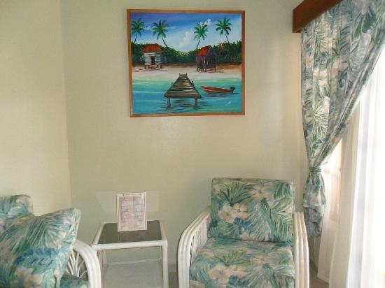 SunBreeze Suites: Our room