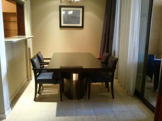 Arjaan by Rotana: Dining  table