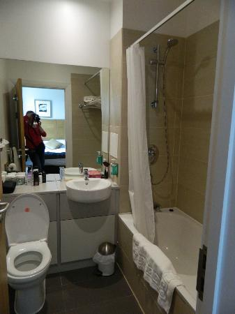 Best Western Balgeddie House Hotel: Bathroom