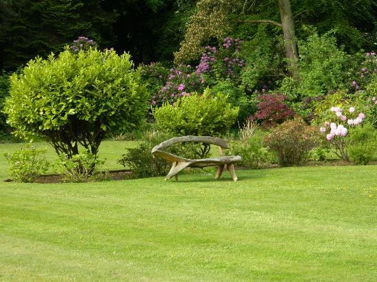 BEST WESTERN Balgeddie House Hotel: Garden