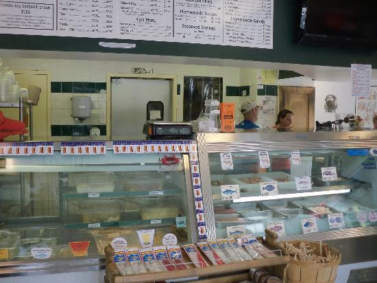 Captain Trey's Crabs & Seafood: order over the counter