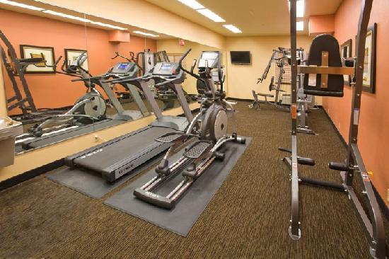 Hotel Ruidoso - Midtown: Fitness Center with commercial equipment