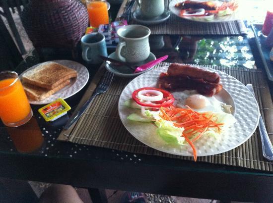 Baan Nam Ping Riverside Village: 아침식사