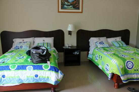 Blue Marlin Hotel: Bright and large room