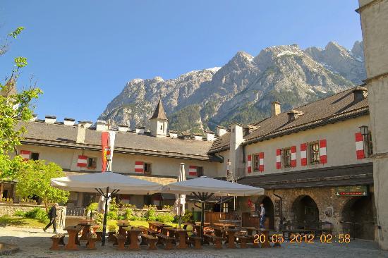 Werfen, ออสเตรีย: Fortress Restaurant
