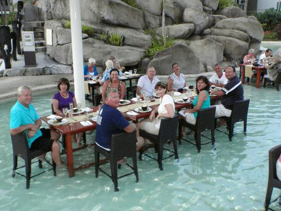 Lomani Wai at the Radisson Blu Resort: Lomani Wai in the water- Radisson Hotel