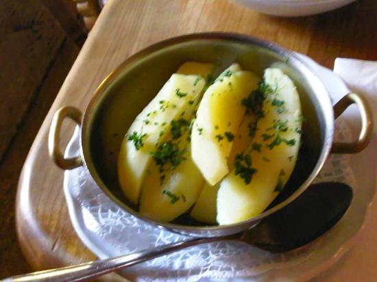 Hofschänke: Salzkartoffel