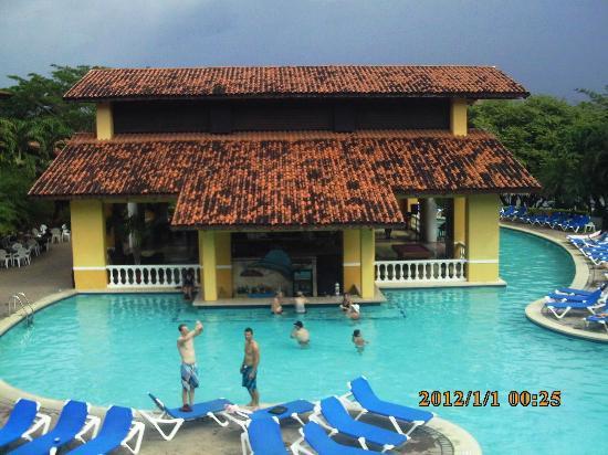 Allegro Papagayo : Pool bar