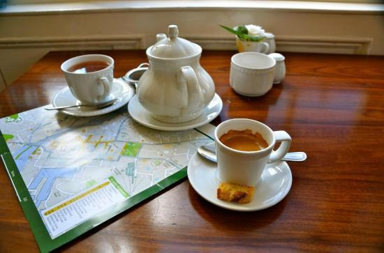Corrib House Tea Rooms : Adorable tea and espresso service. Cake would soon arrive, also delicious.