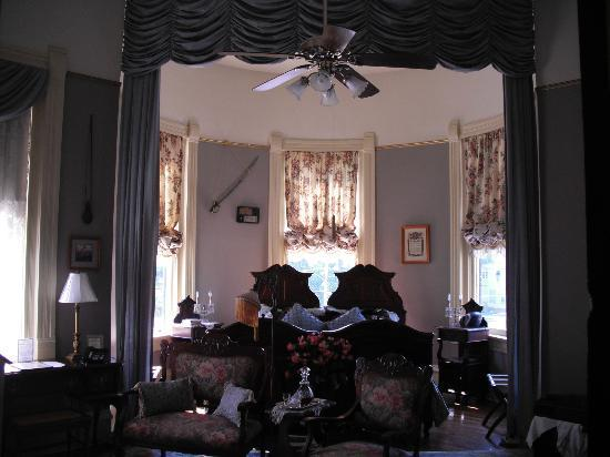 The Empress of Little Rock: More detail of one of the bedrooms.