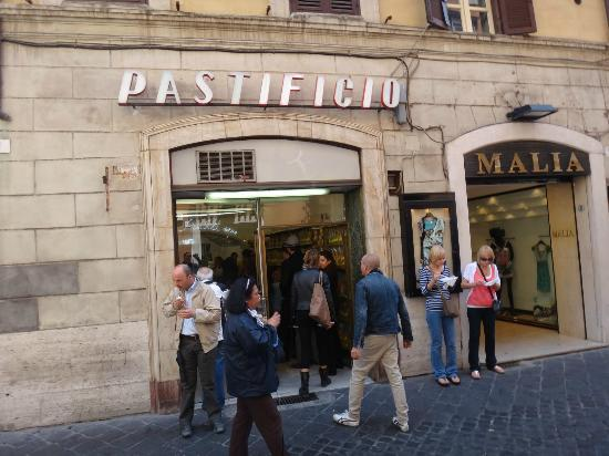 Hotel San Carlo: good & inexpensive place to eat lunch near the hotel (one street over)