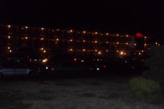 Carideon Motel : night time