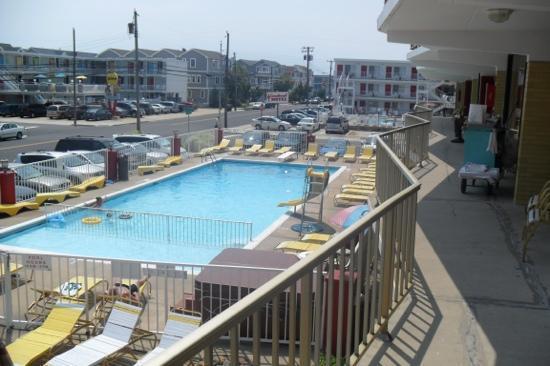 Carideon Motel : pool
