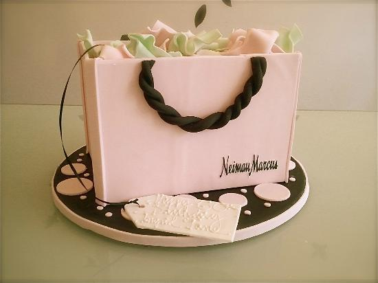 Layer's Cake and Bakery: purse cake