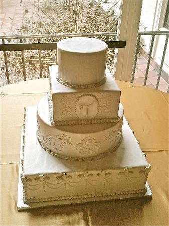 Layer's Cake and Bakery: wedding navy school