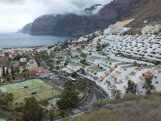 Los Gigantes, El Sombrero is in the middle just above the tennis courts.