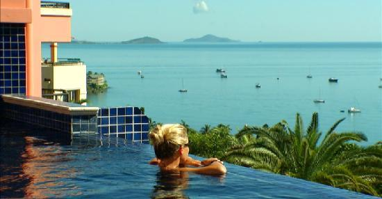 Martinique Whitsunday Resort : View from the infinity pool