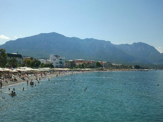 Sensimar Kemer Marina & Spa : left side of the beach