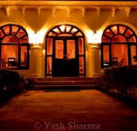 Rajmahal Bhindar: Bagichi-Restaurant