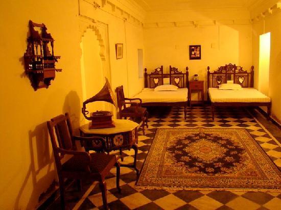 Rajmahal Bhindar: Suite