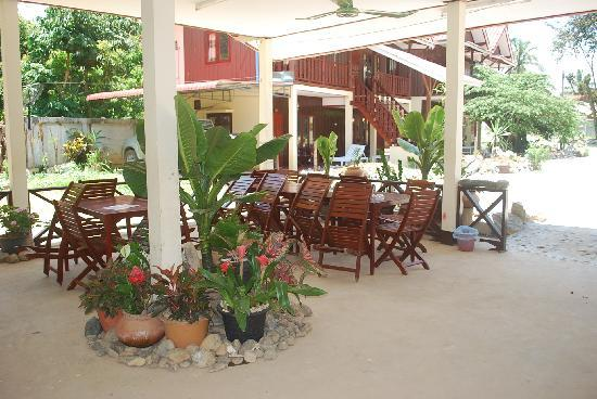 Phongsavanh Resort: restaurant area