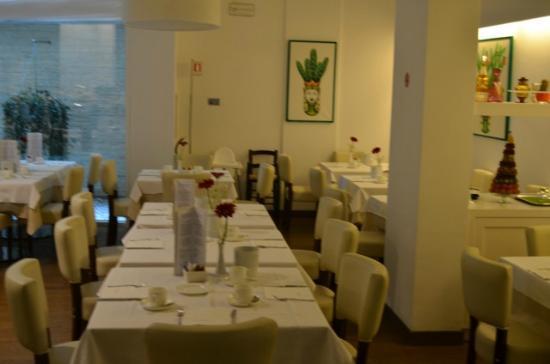 Hotel Plaza: Frühstücksraum
