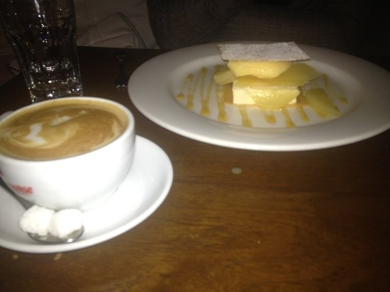 Little Humid Restaurant : ice cream sandwich and genovese coffee