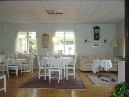 Pensionat Frillesberg: dining room