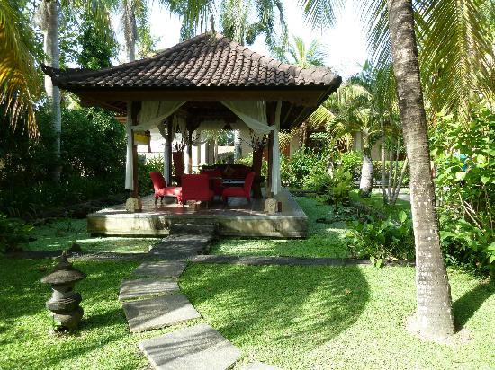 Vision Villa Resort: Outdoor lounge