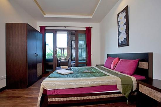 Thai Estate Beach Apartments: apartment bedroom