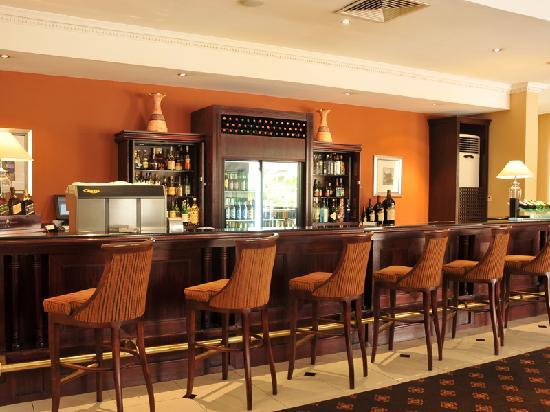 Oakwood Park Hotel: Cocktail Bar