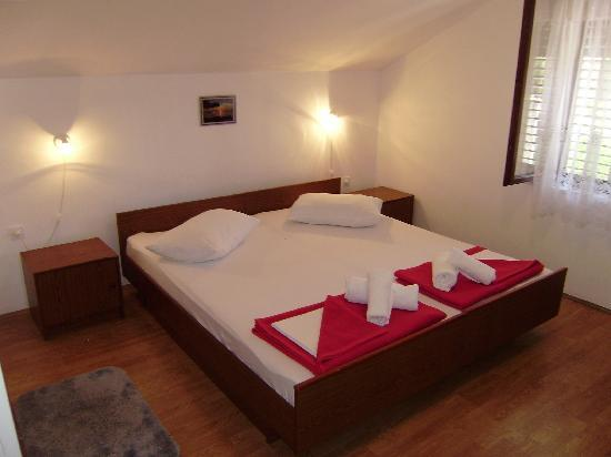 Villa Radovic: double/twin room, no balcony/sea view