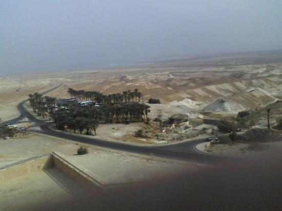 Mineral Beach : Vista da Masada, in fondo il Mar Morto