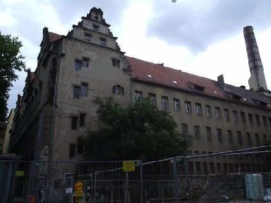 Stadtbad Oderberger Strasse - People's Bathhouse: Parte trasera, en obras