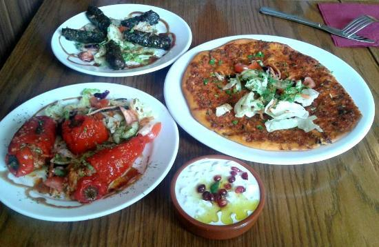 Istanbul Meze & Grill House: Stuffed peppers, stuffed vine leaves, lamb mince pizza bread, tzatziki dip.