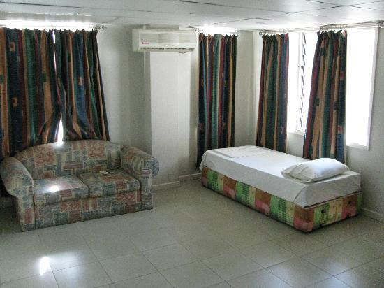 Capricorn Fiji Hotel: 2nd floor room