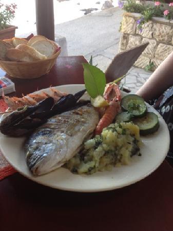Karako : fish platter