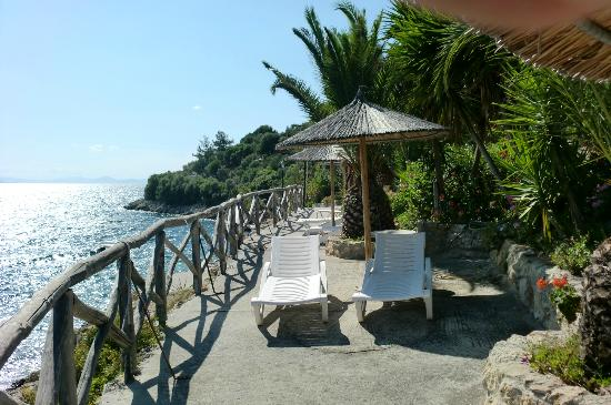 Pounda Paou: By the sea at the hotel